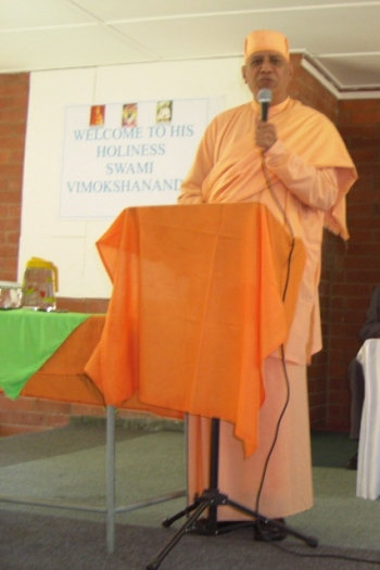 Swami Vimokshananda addressing the Pupils and Educators