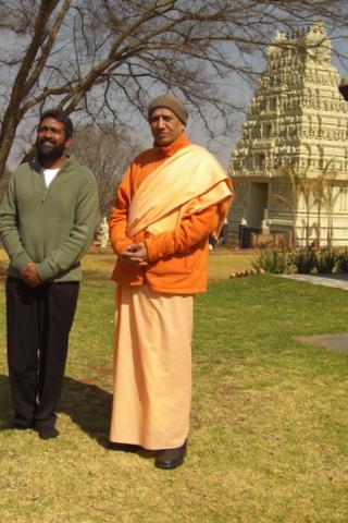 Dr Kollappan with Vimokshananda