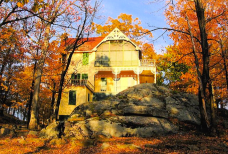 Vivekananda Cottage at Thousand Islands Park, New York, USA